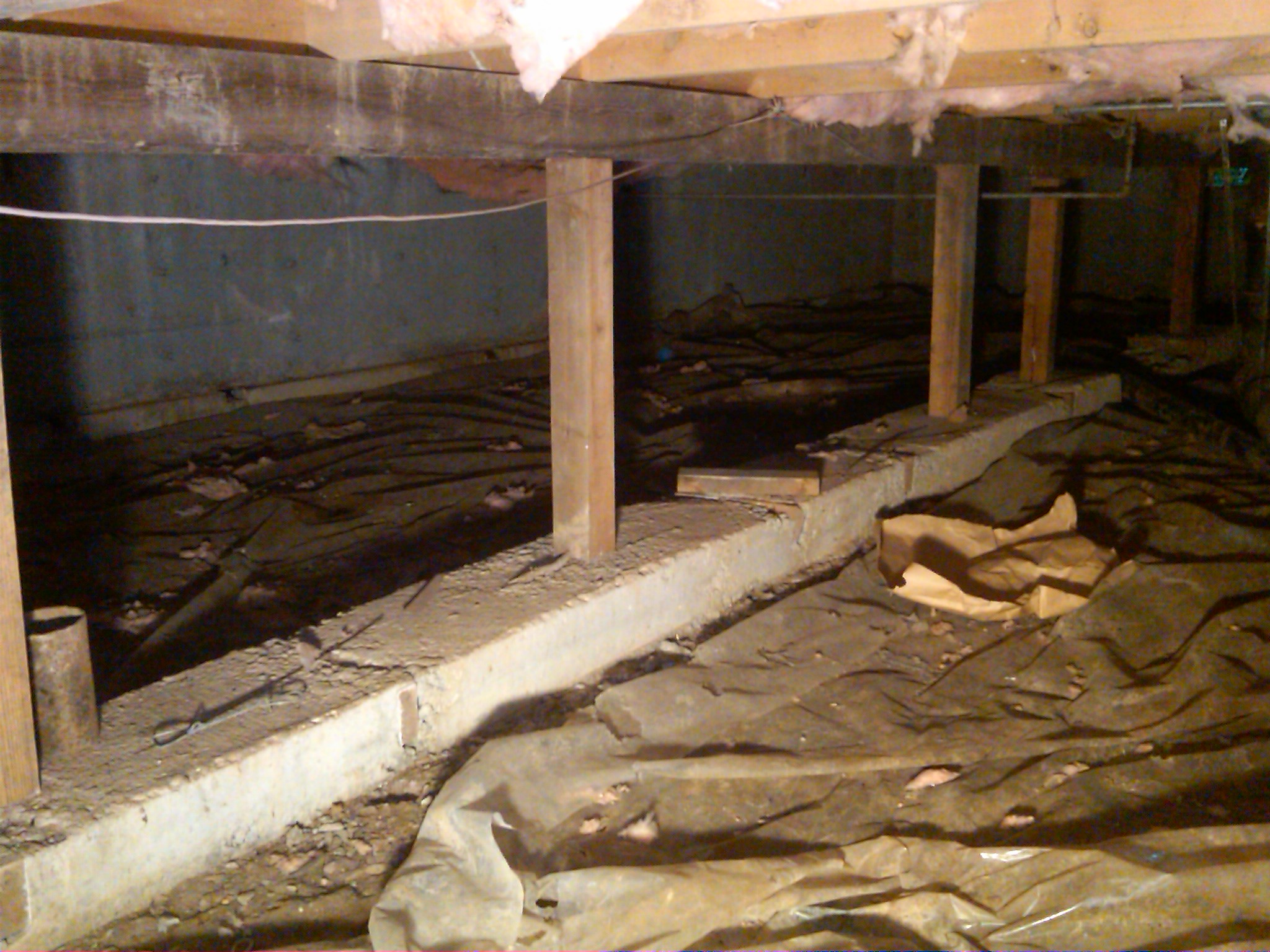 Crawl space restoration helps your entire house for Building a crawl space